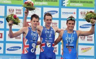 Le Britannique Alistair Brownlee a remporté dimanche à Kitzbühel (nord-ouest de l'Autriche) la cinquième des neuf manches du circuit mondial de triathlon (World Series) et la dernière des épreuves de cette discipline avant les Jeux Olympiques de Londres.