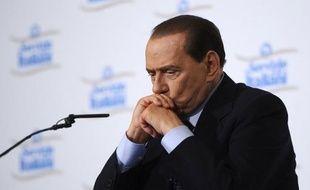 Les juges du tribunal de Milan (nord) ont décidé mercredi de renvoyer à lundi la prochaine audience du procès Rubygate, dans lequel Silvio Berlusconi est accusé de prostitution de mineure et d'abus de pouvoir, en raison des problèmes de santé du Cavaliere.