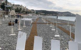 Pour éviter les dégâts et en prévention des intempéries prévues ce lundi, la plage Blue Beach de Nice a rangé tout son matériel