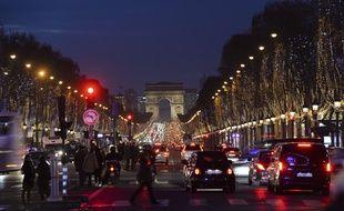 Une bagarre à coup de ciseaux s'est déclenchée sur les Champs-Elysées dans la nuit de mercredi à jeudi.