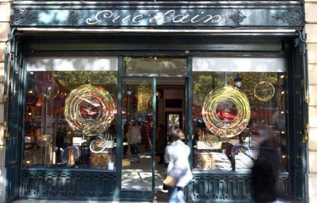 La boutique Guerlain sur les Champs-Elysées à Paris, le 25 septembre 2010