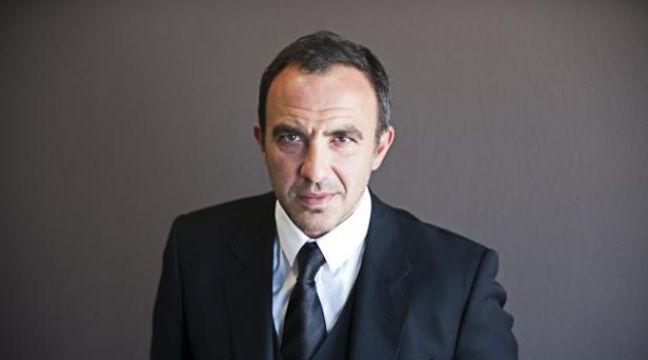 Nikos Aliagas, photographié dans les locaux de 20 Minutes, le 10 février 2012. – VINCENT WARTNER/20 MINUTES