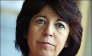"""Corinne Lepage, présidente de Cap 21 et ancienne ministre de l'environnement de 1995 à 1997, a confirmé mercredi qu'elle serait candidate à l'élection présidentielle, où elle souhaiterait représenter """"la société civile et le monde associatif""""."""