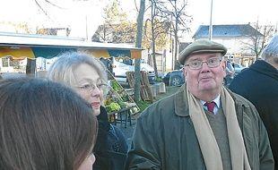 Gérard de Mellon à la rencontre des habitants du quartier de Cleunay.