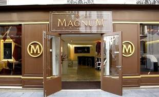 Après Tel-Aviv, Jakarta ou Mexico, Magnum a choisi Paris pour ouvrir sa première boutique éphémère sur le marché européen.