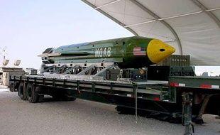 Une bombe GBU-43, surnommée «la mère de toutes les bombes».