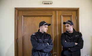 Des officiers de police bulgare, au tribunal de Sofia en Bulgarie, le 17 janvier 2018.