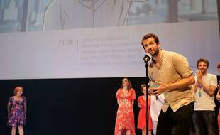 Jonas Poher Rasmussen reçoit le Cristal d'Annecy pour son film Flee