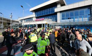 Les militants d'Extinction Rebellion ont commencé à bloquer l'aéroport de London City jeudi 10 octobre au matin