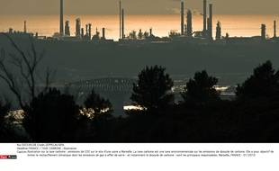 Illustration: rejet de gaz carbonique à Marseille en 2010