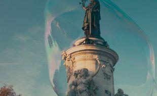 Image tirée du film Paris est à nous