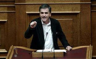 Le ministre grecque des Finances Euclide Tsakalotos s'adresse au Parlement le 5 décembre 2015 à Athènes