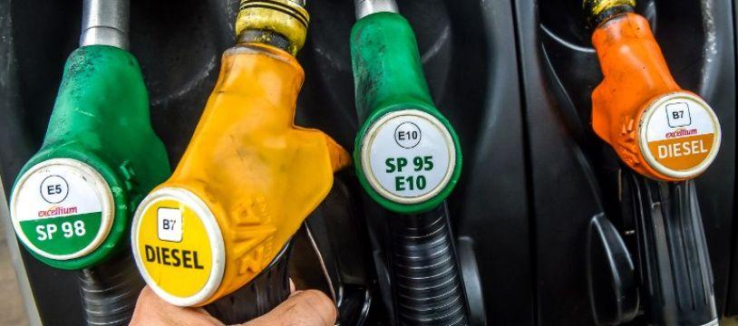 Les prix du carburant ont évolué en ordre dispersé avec une hausse du diesel mais une poursuite de la baisse du super.