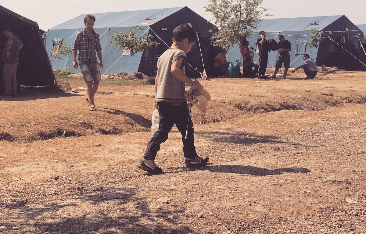 Au camp de Kanjiža, en Serbie, les réfugiés restent quelques jours, parfois quelques heures avant de reprendre le route, direction la Hongrie. – Hélène Sergent