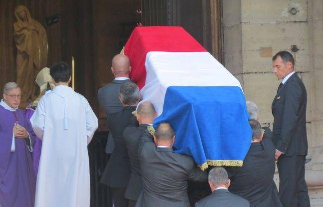 Le cercueil de Jacques Chirac à l'entrée de l'église Saint-Sulpice, le 30 septembre 2019