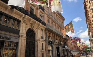 Les rues du quartier Saint-Georges sont décorées de graffs en tout genre.