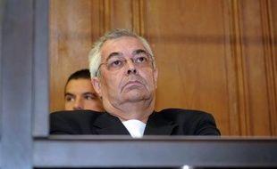 Jean-Michel Bissonnet, condamné jeudi en appel à 20 ans de réclusion pour avoir commandité l'assassinat de sa femme, était toujours hospitalisé lundi après-midi après avoir fait un malaise cardiaque dimanche, a-t-on appris auprès de l'avocat de ses enfants.