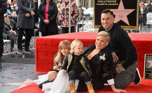 La chanteuse Pink, son mari Carey Hart, et leurs enfants Willow et Jameson