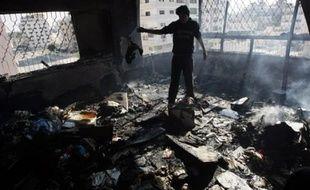 Selon le chef des services d'urgences à Gaza, Mouawiya Hassanein, 919 Palestiniens ont été tués dans l'offensive israélienne, dont 277 enfants, 97 femmes et 92 personnes âgées et plus de 4.100 autres ont été blessés.