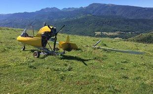 L'autogire qui s'est posé en urgence dimanche 17 juillet dans un champ de Leychert, en Ariège.