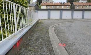 Photo prise le 16 octobre 2015 du lieu où un garçonnet de sept ans a été poignardé à Joeuf (Meurthe-et-Moselle) le 16 octobre 2015