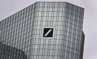 Un tribunal allemand a reconnu mercredi Deutsche Bank coupable d'avoir abusivement licencié quatre cadres dans le cadre d'un scandale de manipulation de taux, et force la première banque allemande à les réintégrer s'ils le souhaitent.