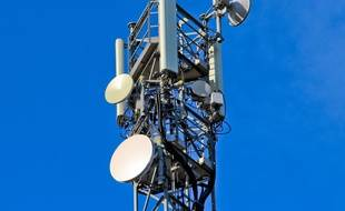 L'antenne-relais installée à Contes à fait l'objet de multiples dégradations (Illustration).