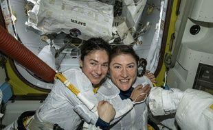 Jessica Meir et Christina Koch, les deux femmes astronautes de la Nasa actuellement présente sur la Station spatiale internationale (ISS).