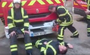 Capture d'écran du Mannequin challenge réalisé par les pompiers de la caserne Lyon Confluence
