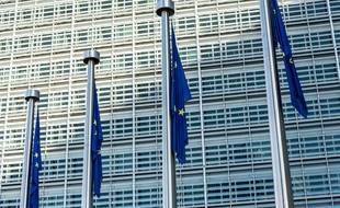 Le Royaume-Uni bloque la création d'un QG militaire européen.