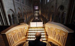 L'un des organistes titulaires de l'orgue de Notre Dame de Paris, Philippe Lefebvre, en 2013.