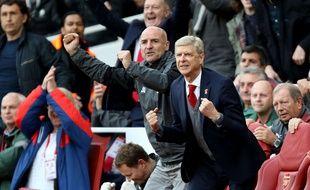 Arsène Wenger heureux lors du match Arsenal-Swansea, le 28 octobre 2017.