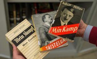 """Plusieurs éditions du livre """"Mein Kampf""""  présentées le 3 décembre 2015 à Munich"""