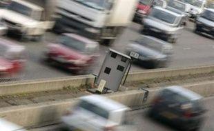 """Le Conseil d'Etat, dans trois décisions du 31 octobre, a refusé que les départements instituent une taxe sur les radars automatiques installés sur des routes de leur zone géographique, invoquant """"le pouvoir général de police"""" de l'Etat."""