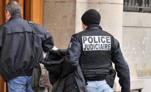 Un jeune homme de 20 ans a été tué d'un coup de couteau dans la nuit du Nouvel An dans les jardins du Trocadéro à Paris, a annoncé mercredi le ministère de l'Intérieur dans un communiqué.