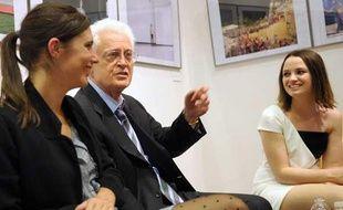 Lionel Jospin et Sara Forestier (à droite) lors de la présentation du film de Michel Leclerc «Le nom des gens» le 13 mai 2010.
