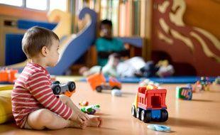 La Prestation d'accueil du jeune enfant (Paje), une allocation versée aux parents de jeunes enfants pour financer leur mode de garde, sera revue à la baisse en 2018.