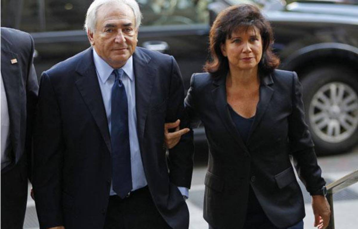 Dominique Strauss-Kahn et son épouse Anne Sinclair arrivent au tribunal pénal de Manhattan à New York, le 6 juin 2011.  – REUTERS/Mike Segar