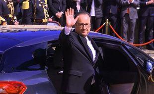 François Hollande a déclaré qu'il n'abandonnait pas la vie politique pur le moment.