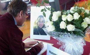 Rillieux-la-Pape, le 3 octobre 2017. Un hommage a été rendu à Laura, l'une des deux jeunes filles assassinées le 1er octobre sur le parvis de la gare de Marseille.