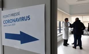 Un point presse au CHRU de Lille sur le coronavirus.