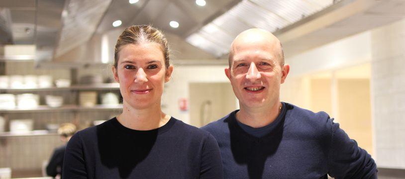 La cheffe du restaurant Racines Virginie Giboire et son compagnon le sommelier Fabien Hacques, ici dans leur restaurant, à Rennes.