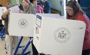 Un bureau de vote à Staten Island, quartier de New York dévasté par l'ouragan Sandy (mardi 6 novembre 2012)