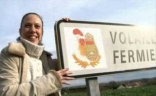Capture d'écran d'une vidéo porno qui ne plaît pas aux éleveurs de poulets de Loué.