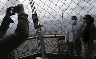 Au troisième étage de la tour Eiffel ce mercredi.