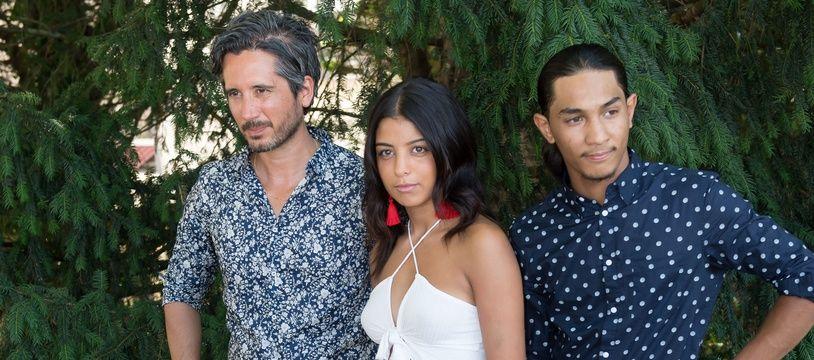 Jean-Bernard Marlin, réalisateur de «Shéhérazade», et ses deux acteurs Kenza Fortas et Dylan Robert.