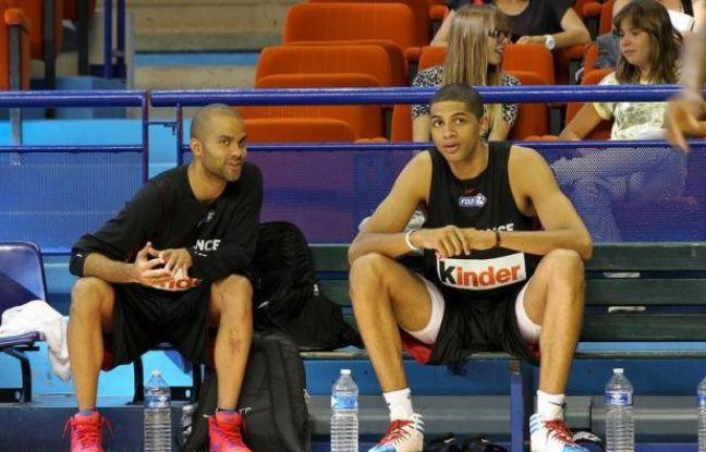 Le contrat d'assurance de Nicolas Batum avec son club de Portland a été validé par la NBA et l'ailier pourra jouer lundi avec l'équipe de France de basket-ball le match de préparation aux JO contre l'Australie lundi à Strasbourg, a annoncé samedi le joueur.