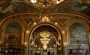 Intérieur du Train bleu, illustre restaurant de la gare de Lyon