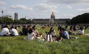 L'esplanade des Invalides, le 24 mai 2020.