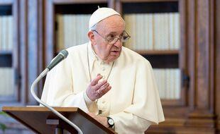 La voiture sera équipée d'une coupole sur le toit pour permettre au Pape de se tenir debout.